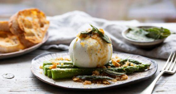 Forratt Sparris Mozzarella Vitlok Brod Salvia