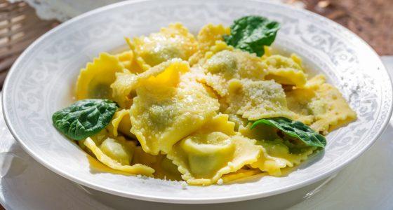 Huvudratt Tortellini Parmesan Basilika